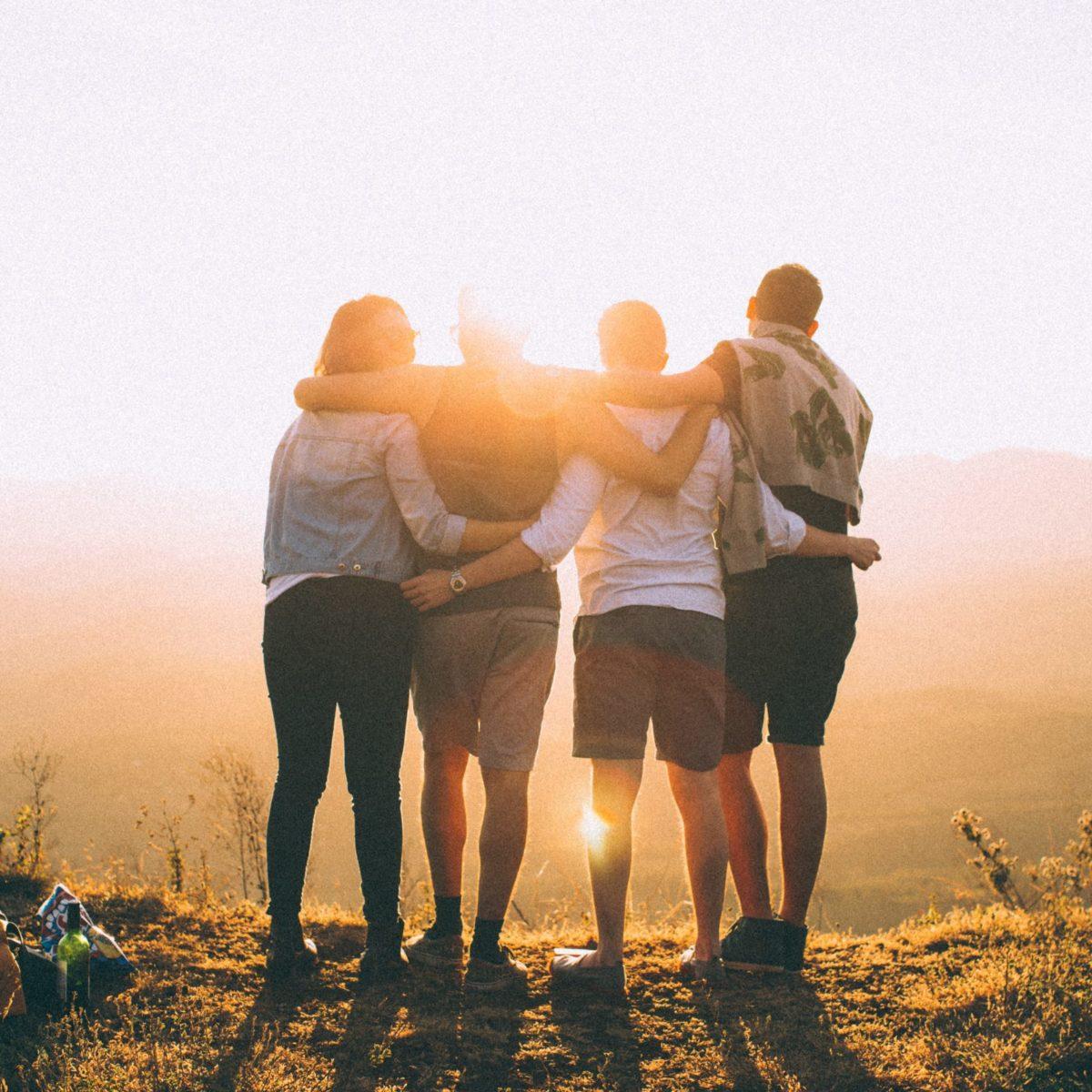 Copines de sortie trouve les amies qui vous accompagneront dans toutes vos sorties